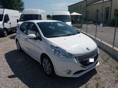 usado Peugeot 208 1.4 HDi 68 CV 5 porte Mix Van Autocarro 4 posti