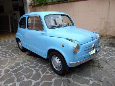 usata Fiat 600 Prima Serie, perfettamente restaurata iscritta al PRA