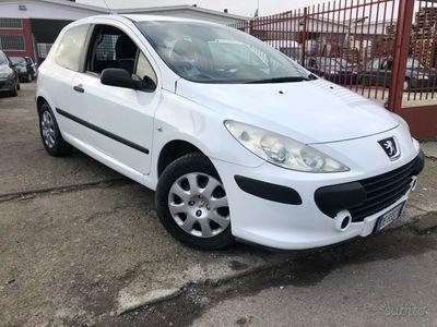 usado Peugeot 207 1.4 HDI VAN EURO 4