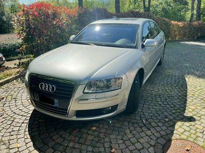 usata Audi A8 del 2005 V12 6.0 benzina tutta certificata