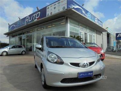 """usata Toyota Aygo 1.0 VVT-i 3porte """"neopatentati"""""""