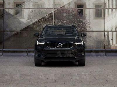 usata Volvo XC40 T2 Momentum Core nuova a Como