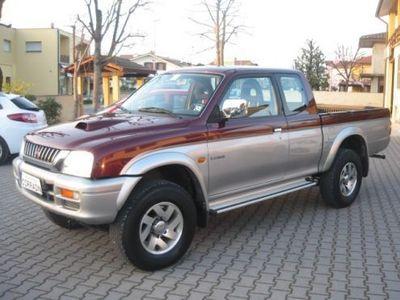 usata Mitsubishi L200 2.5 TDI 4WD Club Cab Pup. GLS Targ.