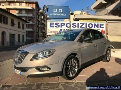 usado Lancia Delta 2.0 MJT DPF * MAGIC PARKING + XENON + PELLE + SENS