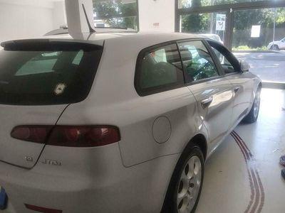 usata Alfa Romeo 159 1.9 JTDm 150CV SW Distinctive Q-Tronic