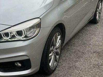 usata BMW 218 xDrive Activer Luxury tetto navi fari full LED ful