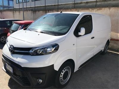 używany Toyota Proace 1.6D 115CV S&S PL-TN Furgone 3p.10q Comfort nuova a Bari
