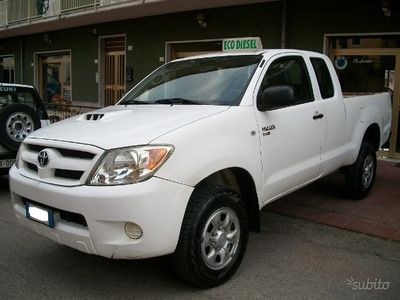 usata Toyota HiLux 2.5 D-4D 4posti N1 ExtraCab CLIMA-ABS