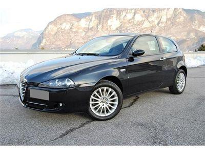 usata Alfa Romeo 147 1.6 16v Twin Spark Distinctive Unico Proprietario Usato