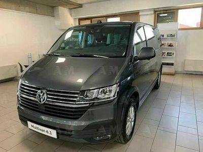 usata VW Multivan 2.0 TDI 150CV DSG Life nuova a Rovigo