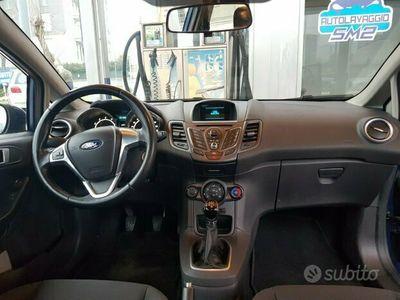 usata Ford Fiesta 6ª serie - 2014