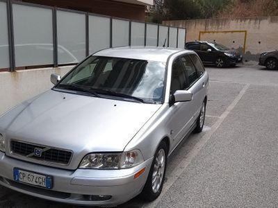 used Volvo V40 - 2004