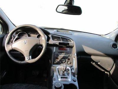 usata Peugeot 3008 HYbrid4 99g