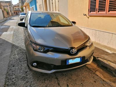 usata Toyota Auris Hybrid 2018