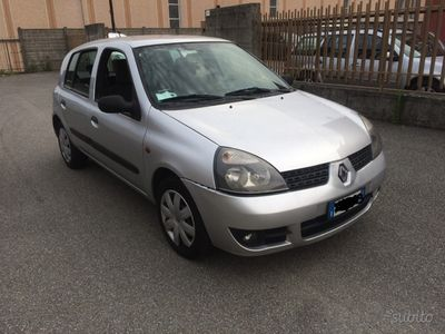 brugt Renault Clio storia 1.2i 5p con gpl da revisionare