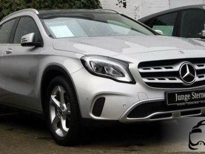 begagnad Mercedes GLA200 d Automatic Sport tetto fari a led navi cerchio 18 rif. 11648275