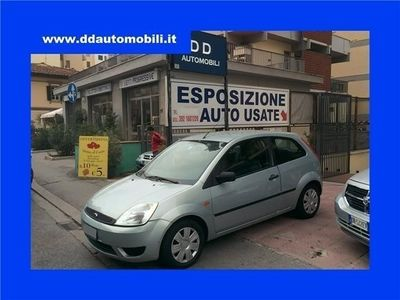 usata Ford Fiesta 1.2 16v 3p. Ambiente Metano - Gancio Traino Usato