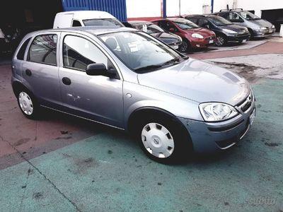 usata Opel Corsa del 2006 1300 diesel 100.000 km