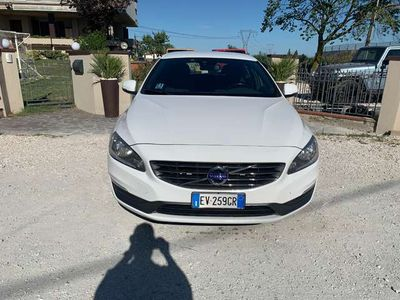 usata Volvo V60 D4 Geartronic Kinetic