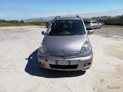 brugt Toyota Yaris Verso - 2003 benzina