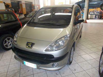 usado Peugeot 1007 1.4 HDi Happy