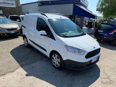 usata Ford Transit Courier 1.5 TDCI - 2017