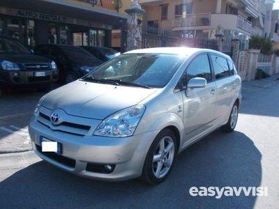 usata Toyota Corolla Verso 2.2 16v d-4d sol diesel