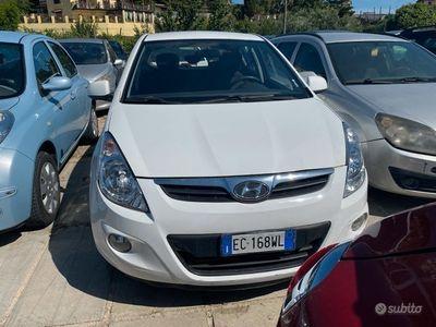 usata Hyundai i20 1.4 hdi anno 2011 5pt
