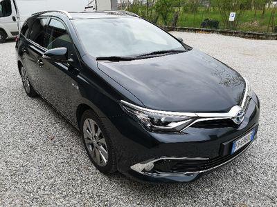 usado Toyota Auris Hybrid Lounge
