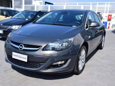 begagnad Opel Astra 1.7 CDTI 130CV 5 porte Cosmo
