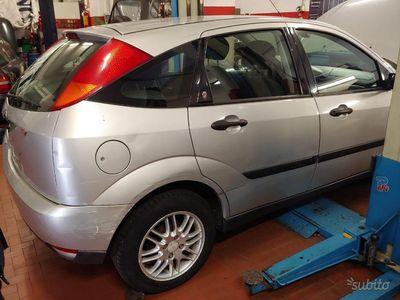 brugt Ford Focus 1.6i 16v cat 5p. zetec benzina