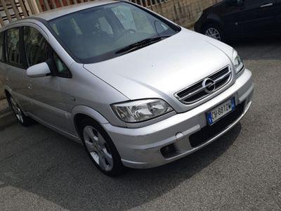 usata Opel Zafira 2.2 Diesel 7 posti