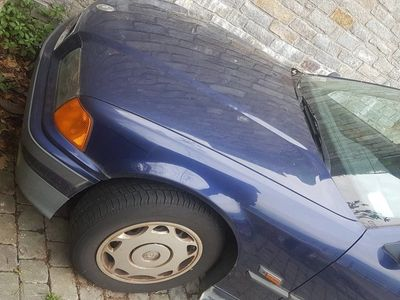 used BMW 320 Serie 3 Touring i 24V cat del 1996 usata a Argegno