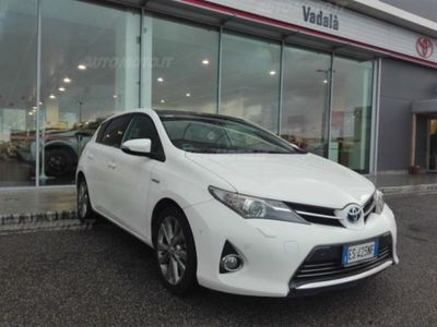 usata Toyota Auris Hybrid 5 porte Lounge del 2013 usata a Gioia Tauro