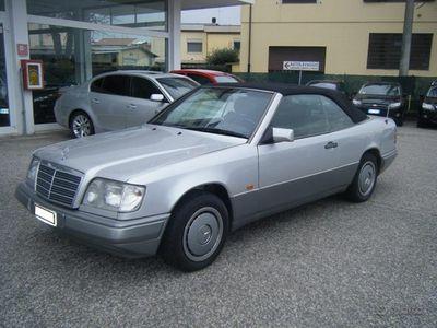 usata Mercedes E200 cabrio (valuto permute )