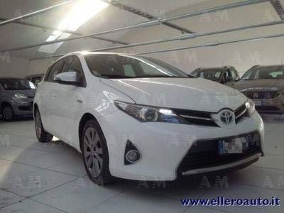 usado Toyota Auris Hybrid 5 porte Lounge del 2013 usata a Mondovi'