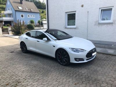 usata Tesla Model S P85D Performance