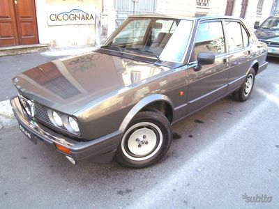 usado Alfa Romeo Alfetta -- 2.0 Quadrifoglio OroWhatsApp3939578915- 05-1983