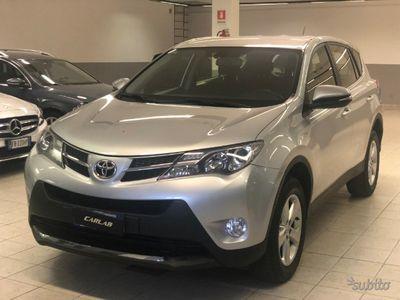 usado Toyota RAV4 2.0 D-4D 2WD Active KM IN FATTURA