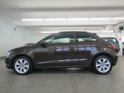 usado Audi A1 1.6 TDI 105 CV Attraction