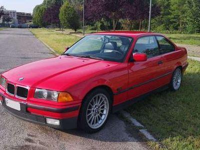 usata BMW 323 e36 coupe hellrot 170hp Automatica