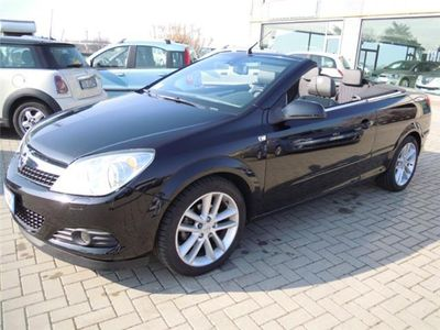 usata Opel Astra Cabriolet TwinTop 1.6 16V VVT Cosmo