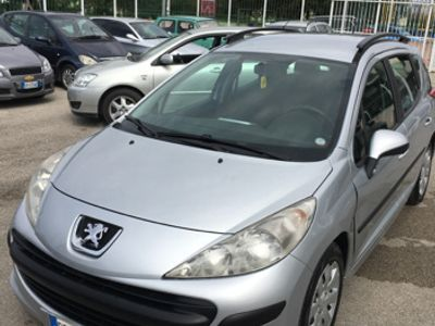 gebraucht Peugeot 207 1.4 Anno 2008 Possibile GPL