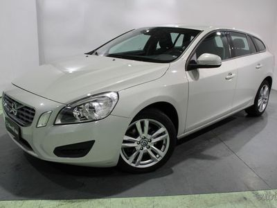 gebraucht Volvo V60 I 2010 Diesel 2.0 D4 ved (d3) Summu...