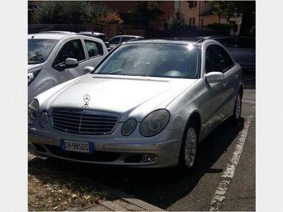 usata Mercedes E240 Classe E (W/S213)178 CV motore V 6 16 valv 2003