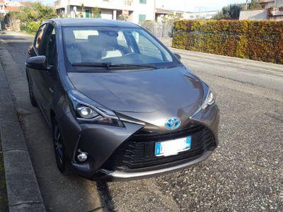 usata Toyota Yaris Hybrid
