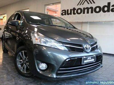 """używany Toyota Avensis Verso 1.6 D--- 7 posti --- """"""""UNICO PROPRIETARIO"""" Parma"""