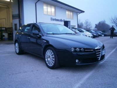 "usata Alfa Romeo 159 2.4 JTDm 20V 210 CV SW NAVI CERCHI 17""PDC"