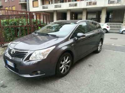 usata Toyota Avensis 2.2 D-Cat aut. Wagon Executive