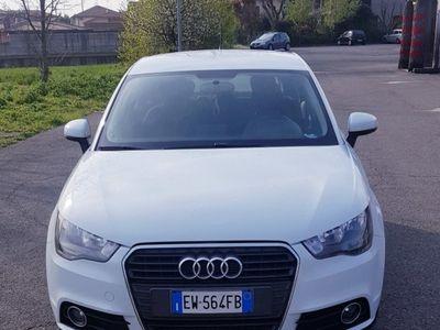 usado Audi A1 SPB 1.6 TDI S tronic Ambition